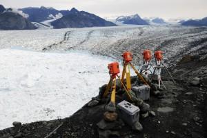 アラスカの氷河調査で使われた低速度撮影カメラ (Extreme Ice Survey/James Balog)