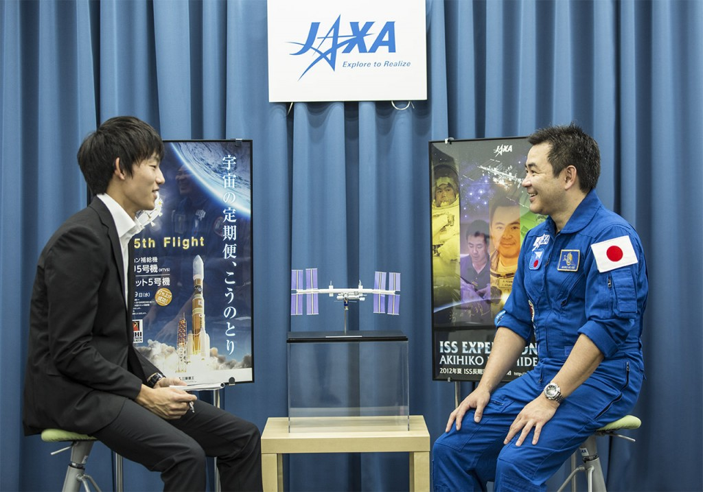JAXA Astronaut Akihiko Hoshide responds to questions during the interview.