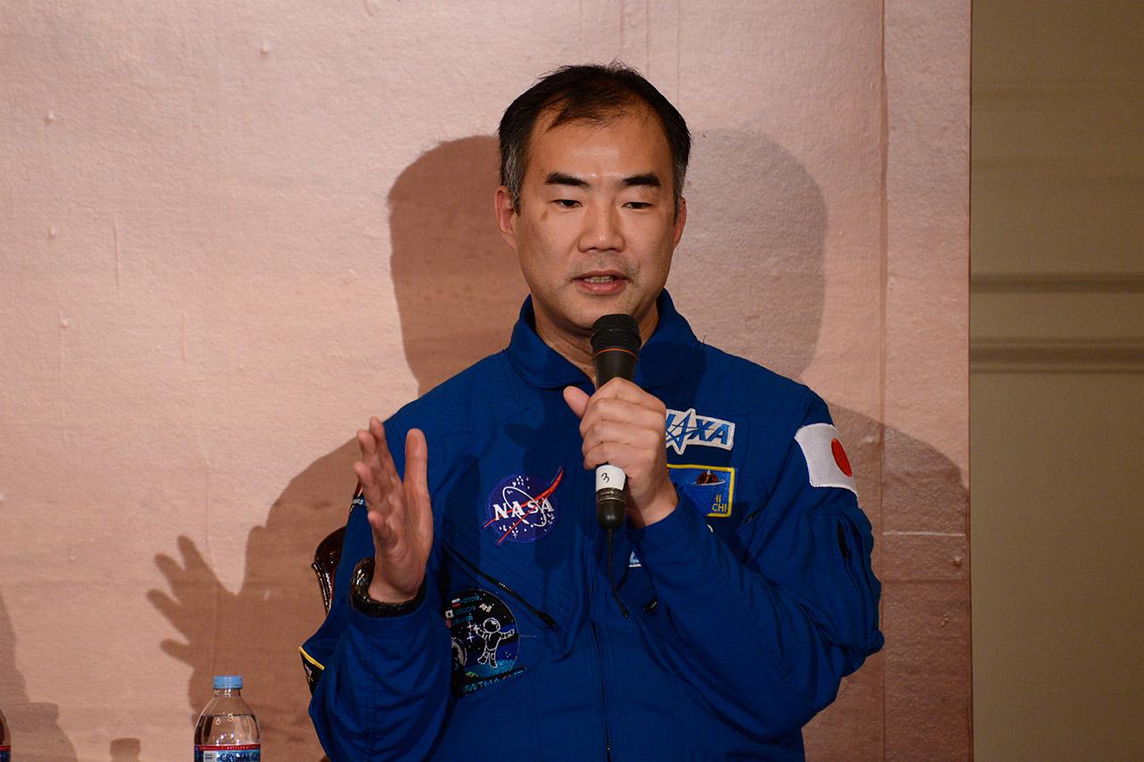 ミッション成功への鍵はチームワークと語る野口宇宙飛行士