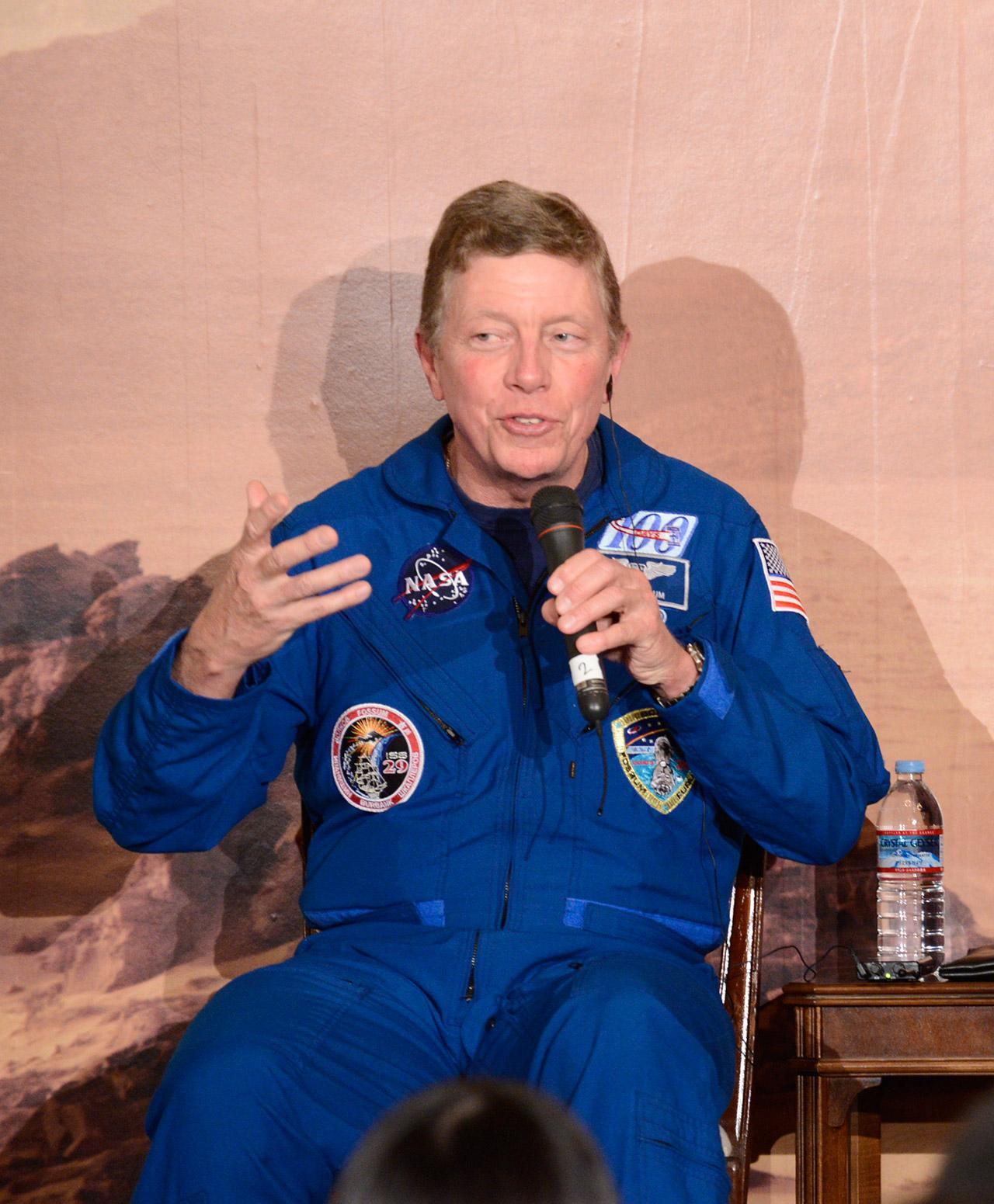 国際的な宇宙開発の重要性について語るNASAフォッサム宇宙飛行士