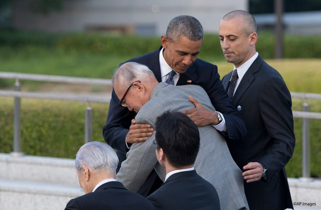 President Obama with hibakusha Mr. Mori in Hiroshima