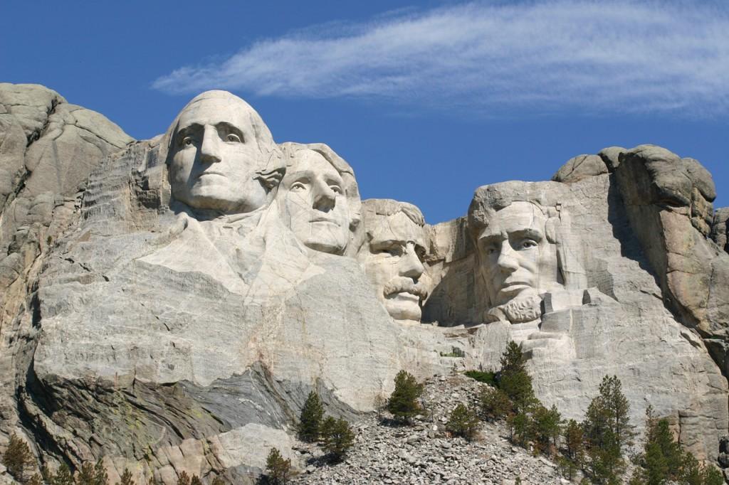 マウントラッシュモアはアメリカ民主主義のシンボル (©Osamu Hoshino)