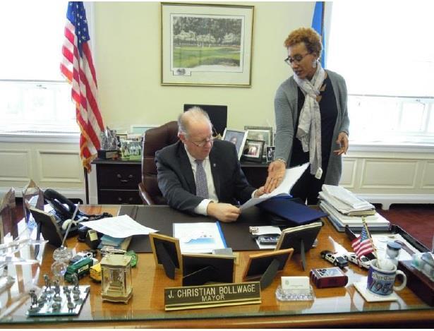 Elizabeth Mayor J. Christian Bollwage (left) and Elizabeth Health Department Director Krishna H. Garlic (right)