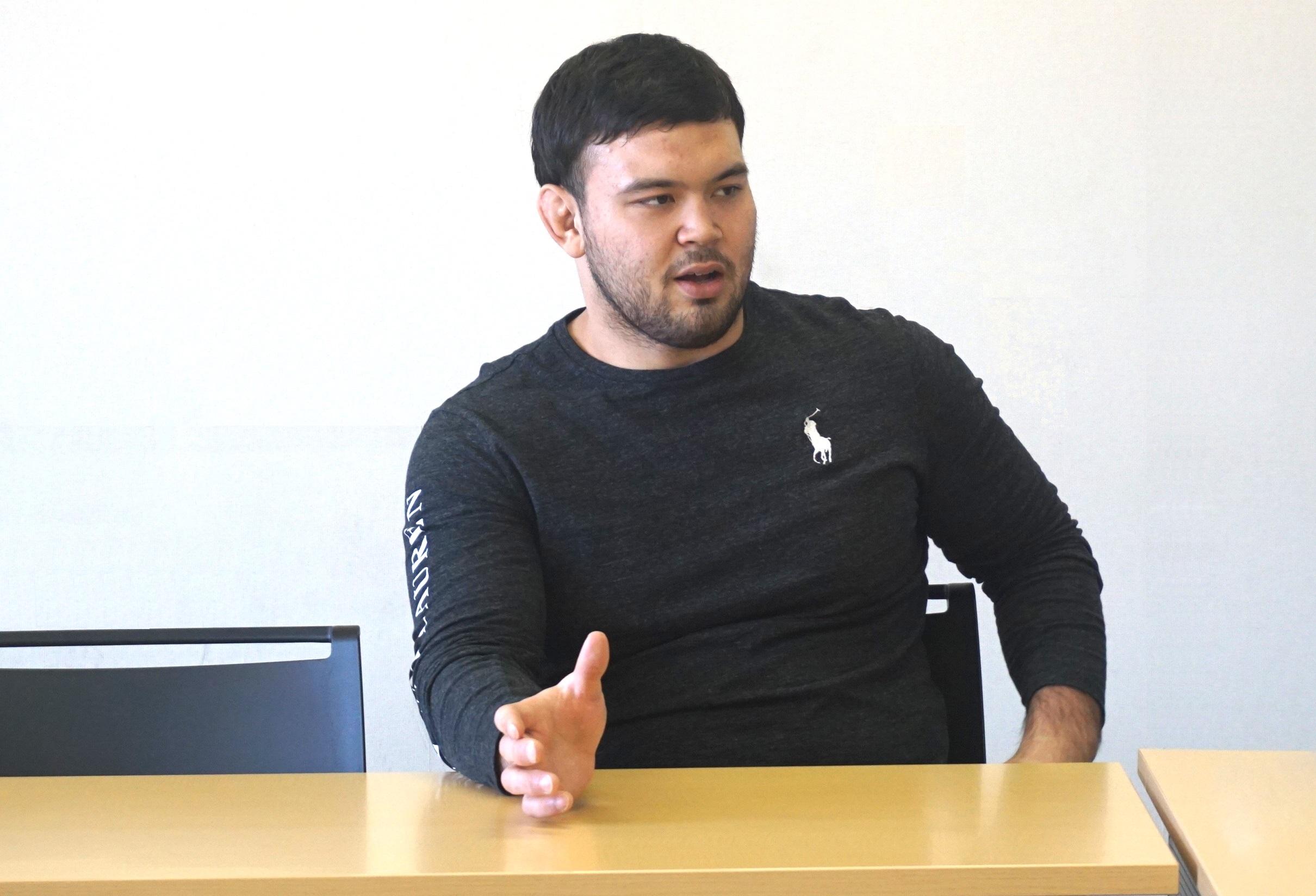 「アメリカン・ビュー」のインタビューで、柔道の魅力を語るウルフ選手