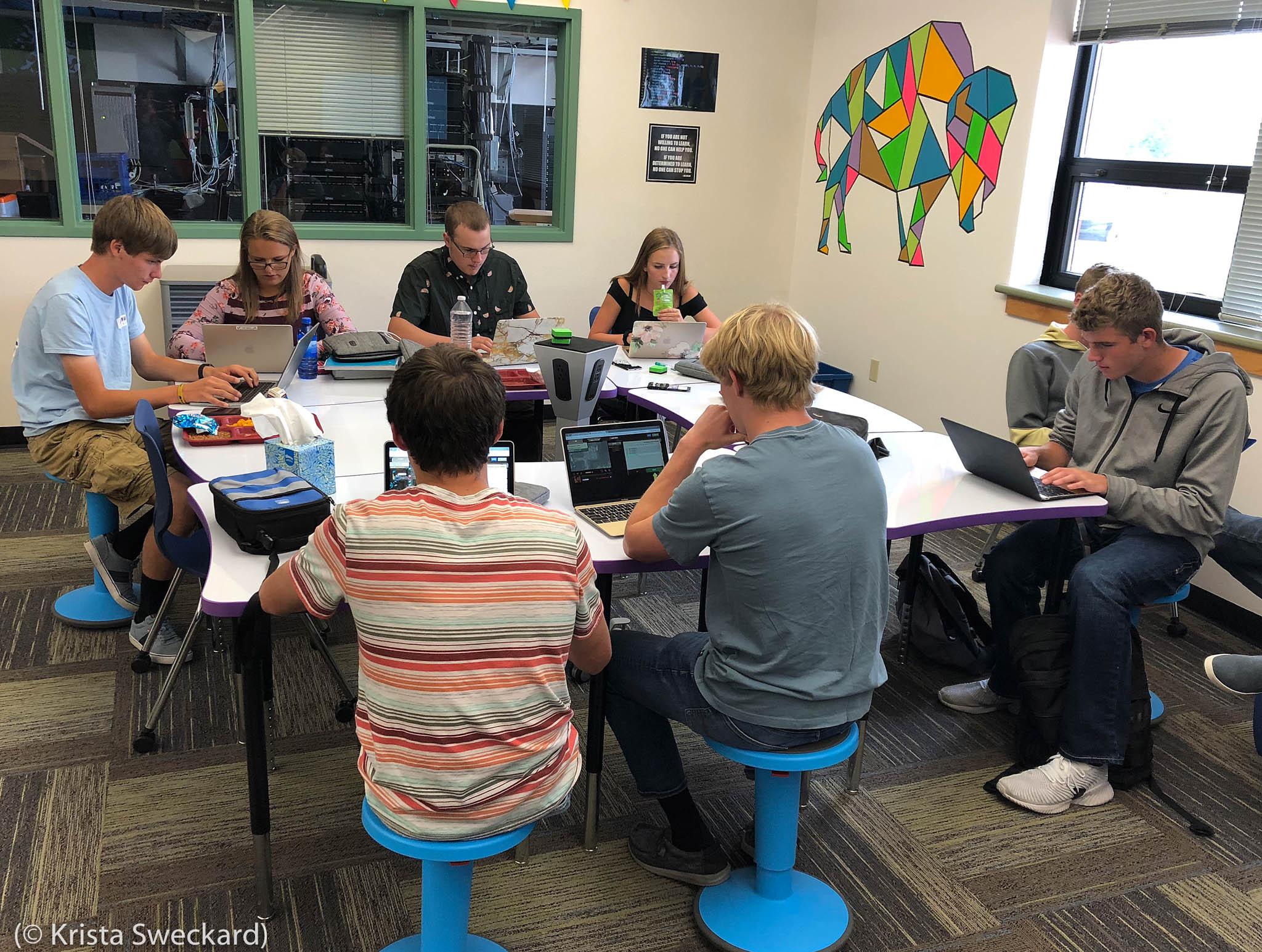 Buffalo High School Code Club lunch meeting (© Krista Sweckard)