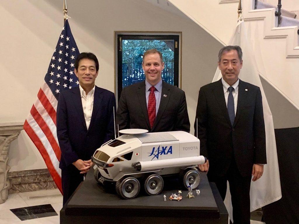 ジェームズ・ブライデンスタインNASA長官、山川宏JAXA理事長、および奥地弘章トヨタ自動車執行役員の会合が、2019年9月25日に大使公邸で行われた