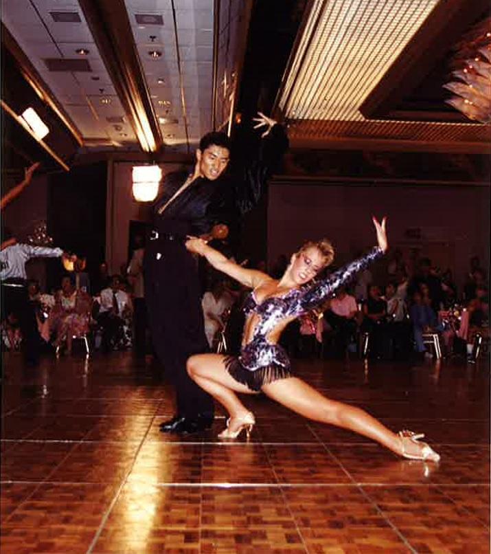 1994年にロサンゼルスで行われたカリフォルニアオープンダンス大会に出場