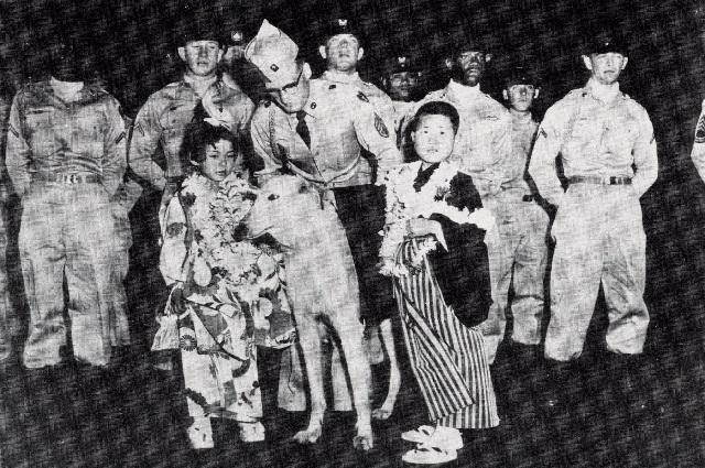 1957年に最初にハワイに招待された子どもたち(写真提供:聖家族の家)