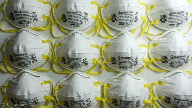 N95 masks, like these, effectively filter 95 percent of particles in the air — including the coronavirus. (© Shutterstock)