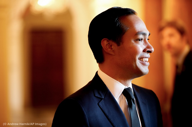 Julián Castro arrives at a reception in Washington. (© Andrew Harnik/AP Images)