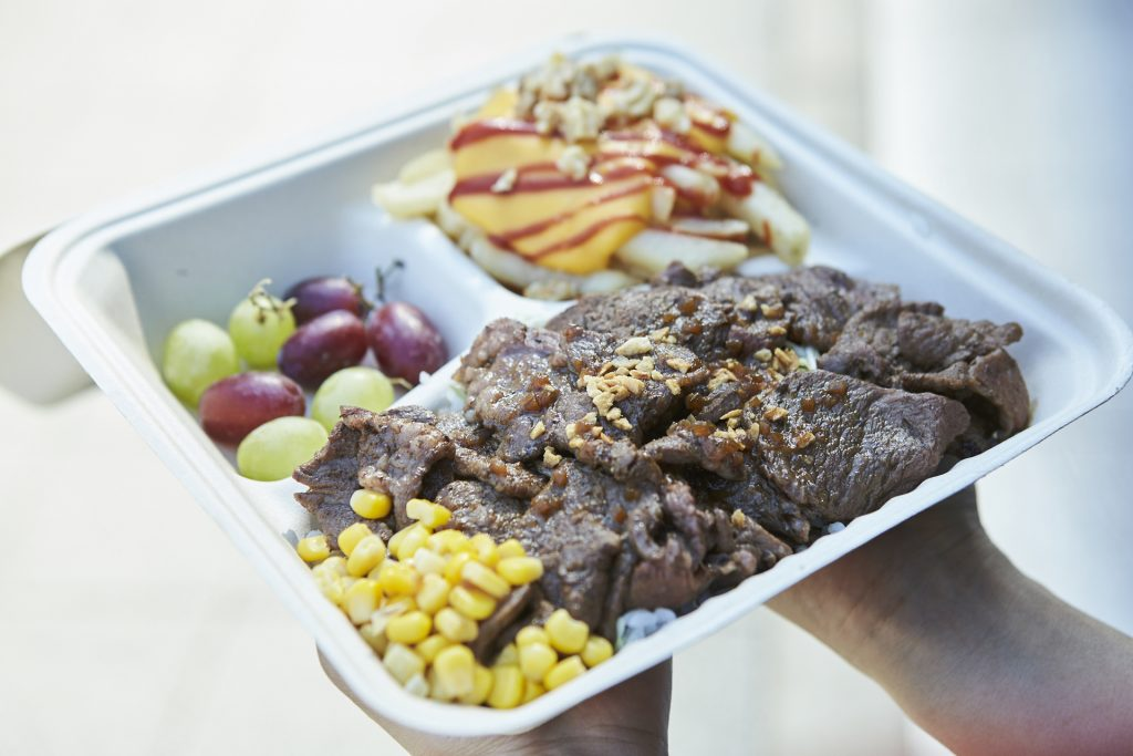 「川端フードガーデン」の「ファンフーズ」は、「オ―ルアメリカ食材・ステーキランチボックス」を今年のキャンペーンで販売