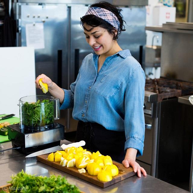 フードビジネスニュースによると、ヤサミン・サジャディ氏は、彼女が共同創業したチャツネ作りの事業「マーザ(Maazah)」を拡大するため、ウィメン・ベンチャーから融資を受けた (© Maazah)