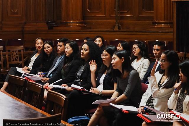 CAUSEのインターンシップ参加者。立法による権利擁護やカリフォルニア州法務協議会の政策立案について学ぶ (© Center for Asian Americans United for Self Empowerment)