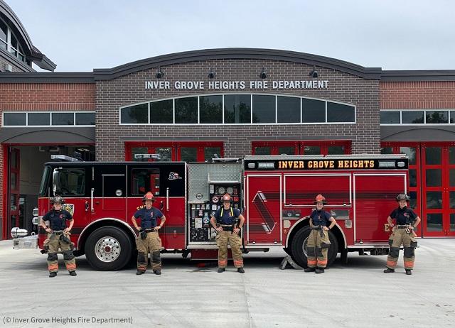 2020年8月14日、ミネソタ州インバーグローブハイツ消防署は63年の歴史で初めて、女性消防士だけでシフトを組むチームを結成 (© Inver Grove Heights Fire Department)