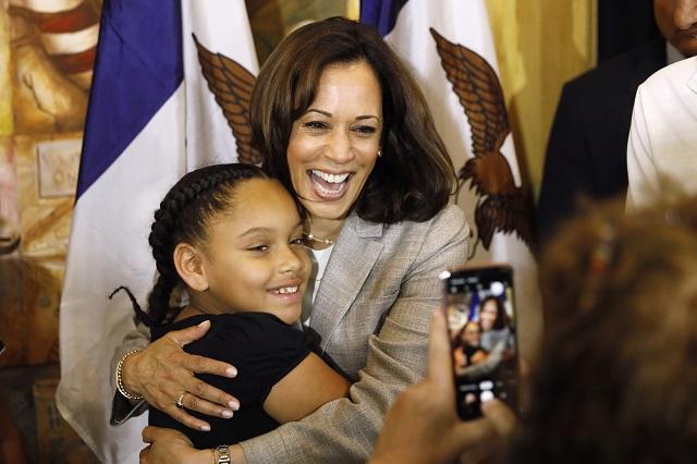 ハリスは2020年の大統領選に挑戦した。2019年7月、候補者としてアイオワ州を訪問 (AP Photo/Charlie Neibergall)