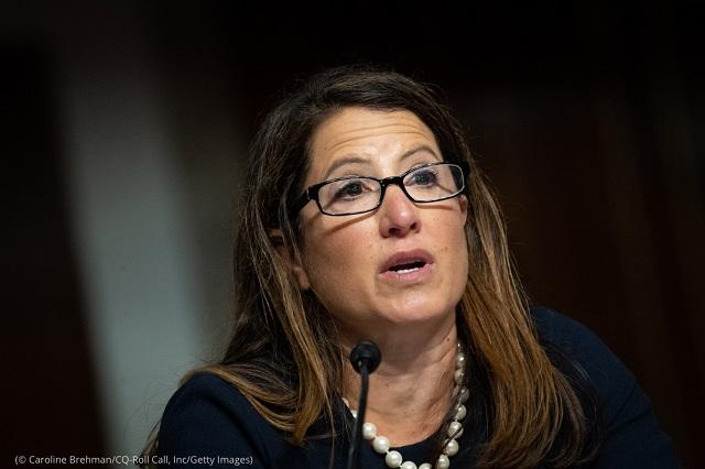8月4日、上院軍事委員会の陸軍法務顧問指名承認の公聴会で証言するミッシェル・ピアース (© Caroline Brehman/CQ-Roll Call, Inc/Getty Images)